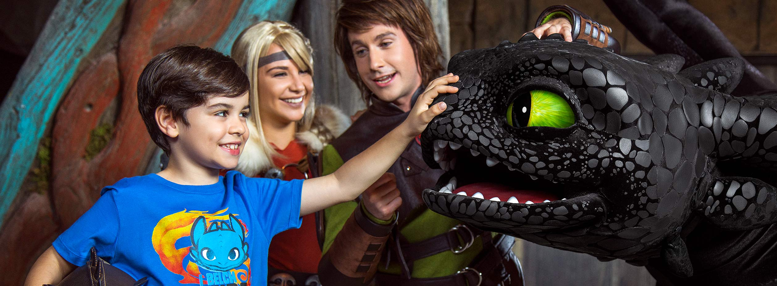 Meet Greet Toothless Hiccup And Astrid Motiongate Dubai